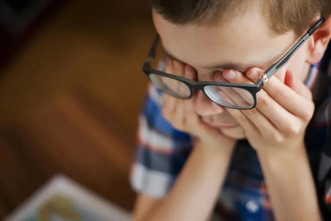 昆明家长请注意,为什么孩子冬天更容易近视?